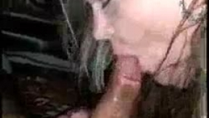 Horny girl just loves to suck dick